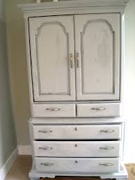 Painting Furniture White by How To Annie Sloan Chalk Paint The Lilypad Cottage