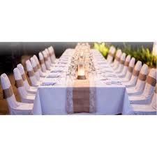 chemin de table mariage chemin de table toile de jute et dentelle décoration de mariage