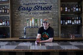 easy street plants new sports bar in portage park with thursday