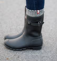 How To Style Hunter Boots Winter Fashion Socks Winter And Short