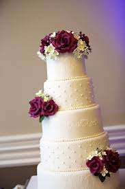 wedding cake icing popular types of wedding cake icing classic cakes classic