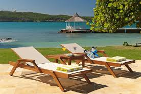 round table discovery bay a summer place on the beach discovery bay luxury villas lujure