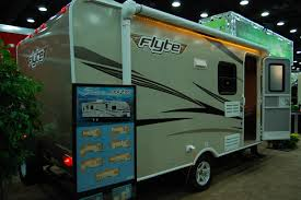 shasta flyte debuts smaller floor plan the small trailer enthusiast
