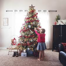 65 out of the box christmas tree themes you must check out