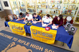 Letter Of Intent To Play College Sports by Moving On Five Rifle High Seniors Move On To Play College Sports