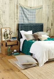 How To Decorate Your Home For Fall 10 Ways To Cozy Up Your Bedroom For Fall How To Decorate