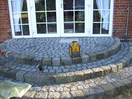 treppen derstappen runde naturstein granit terrasse treppe derstappen bau