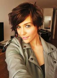 how can i get my hair ut like tina feys short fine hair like this cut too afraid the bangs would get on