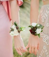 bridesmaid corsage 10 creative beautiful alternative bridesmaid bouquets