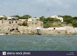 unparket cliffside house on gironde meschers sur