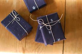 black gift wrap gift wrapping ilovegifting