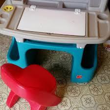 Step2 Deluxe Art Desk With Splat Mat Step 2 Art Desk Hostgarcia