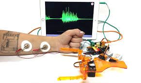 the claw from backyard brains is a new neuroprosthetic robot kit