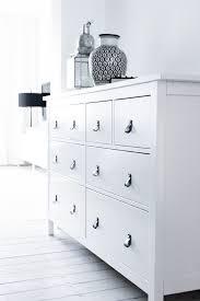 chambre hemnes hemnes commode 8 tiroirs teinté blanc pour ma chambre y mettre des
