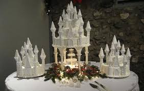 wedding cake castle top 10 fabulous wedding cakes with fountains to add style to your
