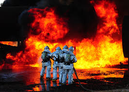file airport firefighters drill jpg wikimedia commons