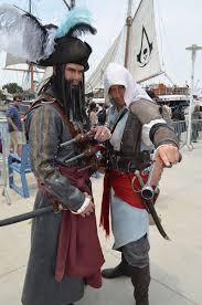 Black Beard Flag Comic Con 2013 Cosplay Blackbeard And Edward Assassins Creed 4