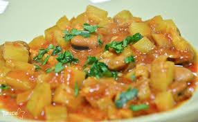 cuisiner des feves chakchouka djerbienne aux fèves et aux courgettes