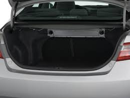 toyota camry trunk 2009 toyota camry reviews and rating motor trend