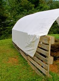 Calf Hutch Tractor Supply How To Make A Quick Shelter Out Of Pallets The Free Range Life