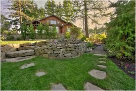 landscaping with large rocks ideas best 25 boulder landscape ideas