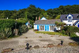 Ireland Cottages To Rent by Idyllic Seaside Home That Boasts Ireland U0027s Smallest Church Up For