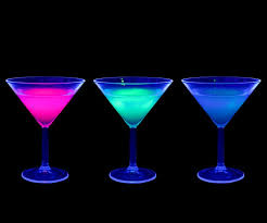 liquids that glow under black light things that glow in black light ultraviolet light