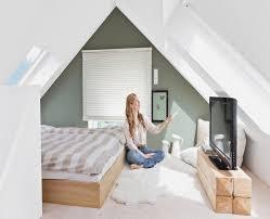 schlafzimmer ideen mit dachschrge tapete schlafzimmer schrge dekoration schlafzimmer dachschräge
