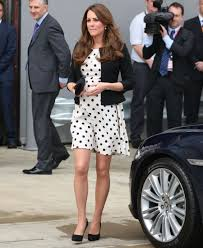 queen elizabeth ii reportedly thinks kate middleton u0027s skirts are