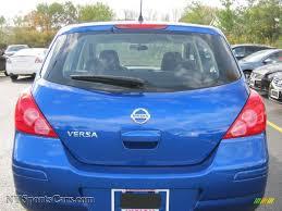 nissan versa blue 2009 nissan versa 1 8 s hatchback in blue metallic photo 14