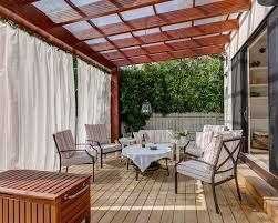 windschutz fã r balkone die besten 25 markise balkon ideen auf markise für