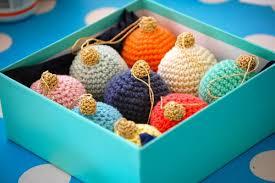 crocheted christmas crochet christmas baubles allfreecrochet