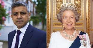 Queen Elizabeth Donald Trump The Queen Of England Is Still Inviting Trump Long Room