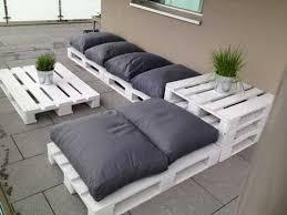 canapé de jardin en palette faire un salon de jardin en palette deco cool