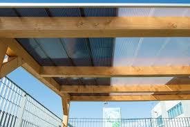 tettoie in legno e vetro come chiudere una veranda in legno con il policarbonato