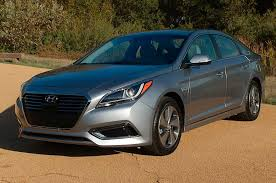 2017 hyundai sonata hybrid reviews and rating motor trend