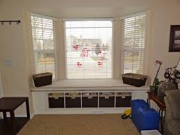 Kitchen Bay Window by How To Use Bay Window Space In Kitchen Decoratingcozy Window Seat