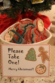 ornament exchange favors cookie cutters with baking