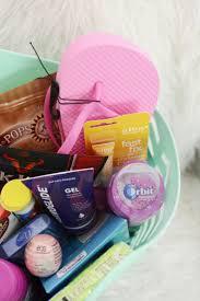 honeymoon essentials gifts best 25 honeymoon gift baskets ideas on honeymoon