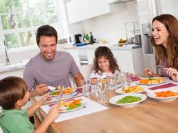 5 reasons why family dinner is vital to your health