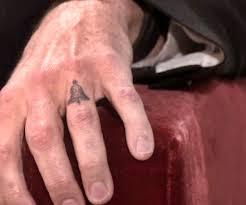 dax shepard tells ellen he has kristen bell u0027s last name tattooed