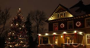 15 spectacular lights on trees outside home decor 2910