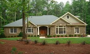traditional home style traditional ranch style homes brick home house 70s rustic modern