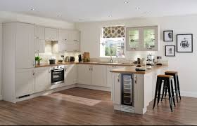 Howdens Laminate Flooring Burford Cashmere Shaker Style Contemporary Kitchen Youtube