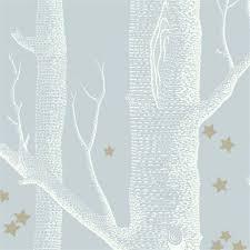 tapisserie chambre bébé papier peint bleu poudré blanc et or woods