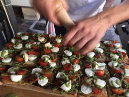 cuisine en direct cécibien au marché le stand traiteur qui cuisine en direct et avec