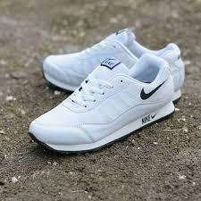 Sepatu Nike sepatu nike wanita free run putih snw 001 omsepatu
