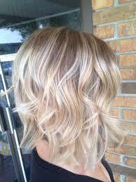 short brown hair with light blonde highlights nice light blonde highlights on brown delicate regrowth peinados