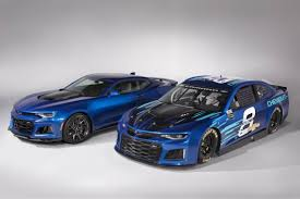 chevy camaro nascar 2018 chevy camarao zl1s look alike go very fast