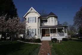 decorating historic homes stunning victorian properties architecture designs victorian style